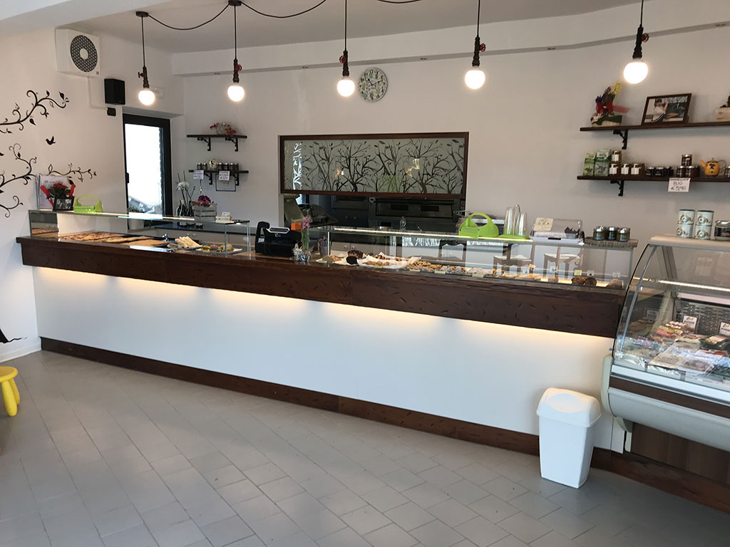 riqualificazione bancone bar Castelfidardo