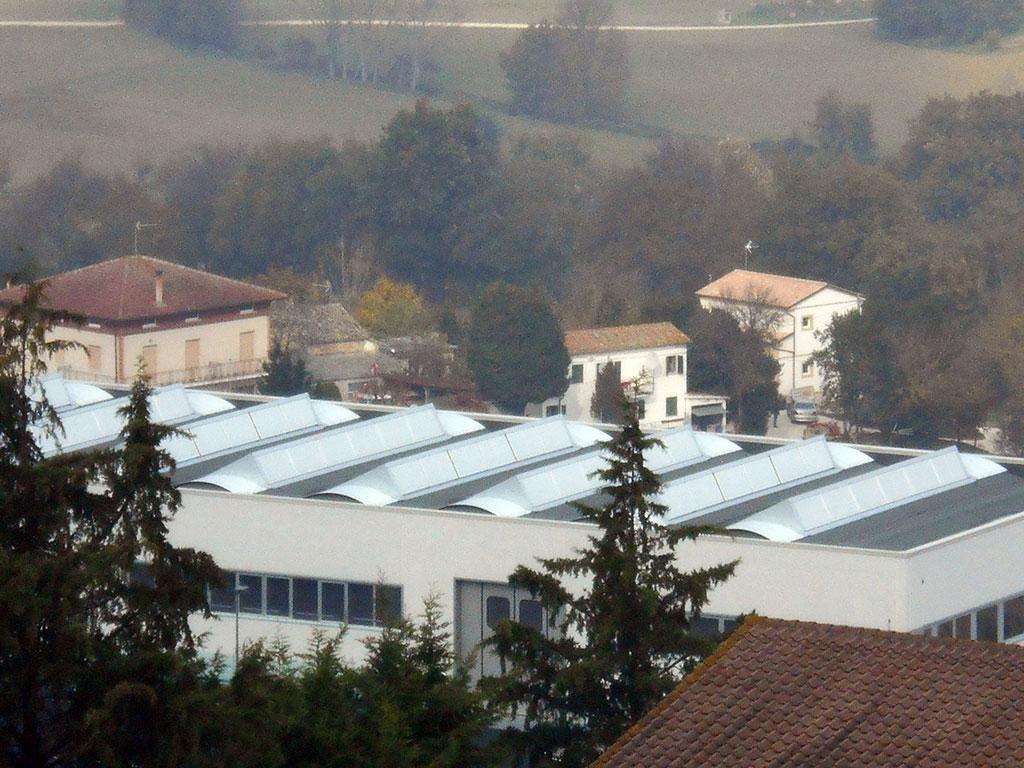 vernice solare ai policarbonati dei tetti